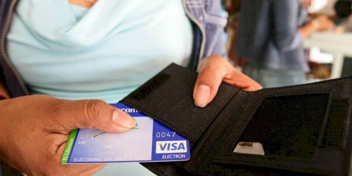 Bancos reportan reactivación en pagos con tarjeta