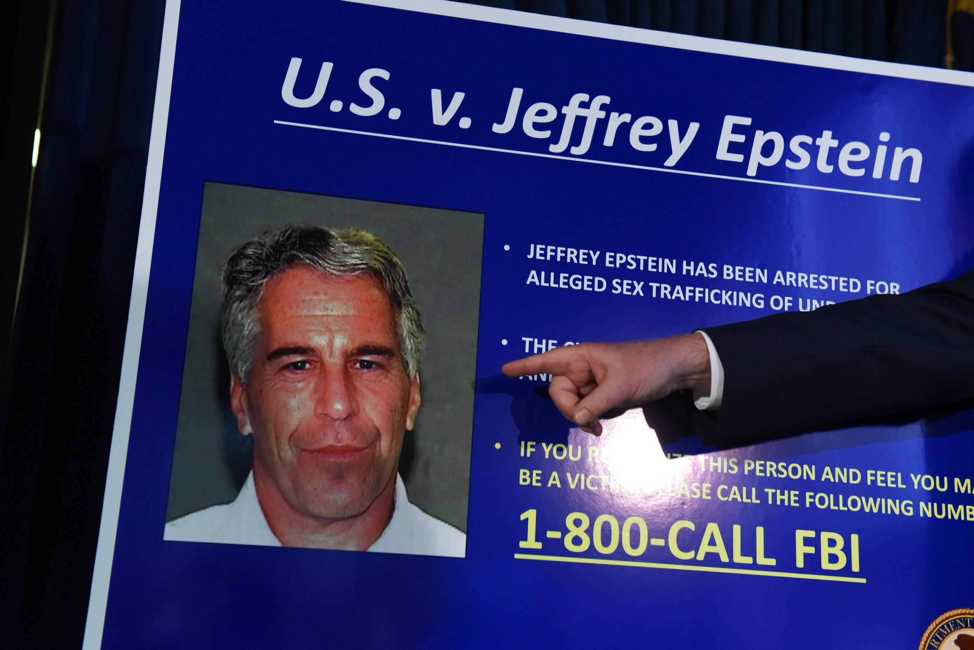 Antiguo financiero norteamericano Jeffrey Epstein se suicidó en la cárcel