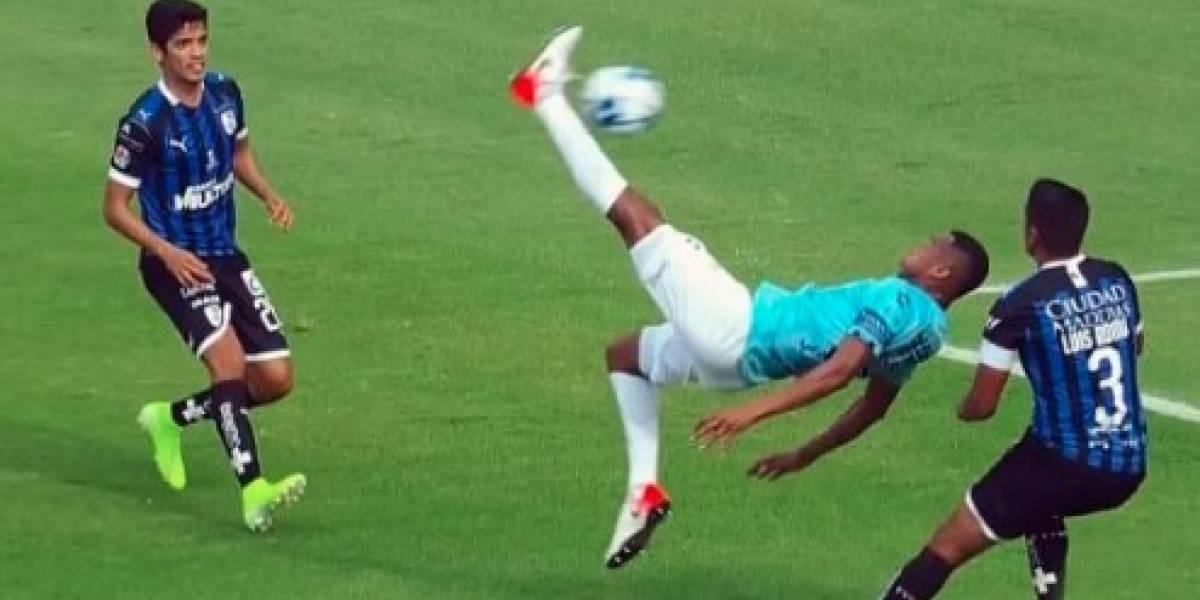 VIDEO: La chilena de Copete que acabó en gol de Jara para Tuzos