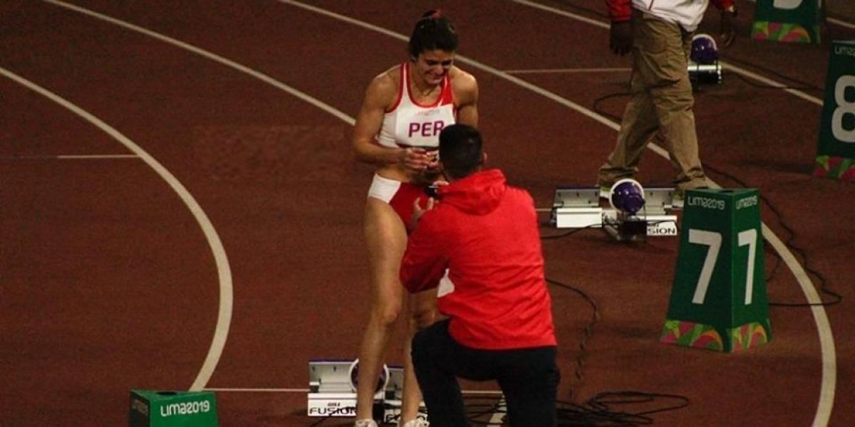 Le piden matrimonio en plena pista de atletismo de Lima 2019