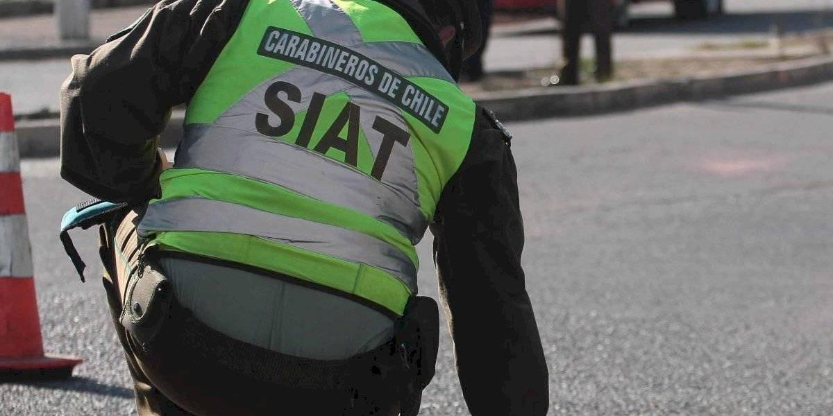 Carabinero muere al estrellar su moto contra las barreras de Costanera Norte