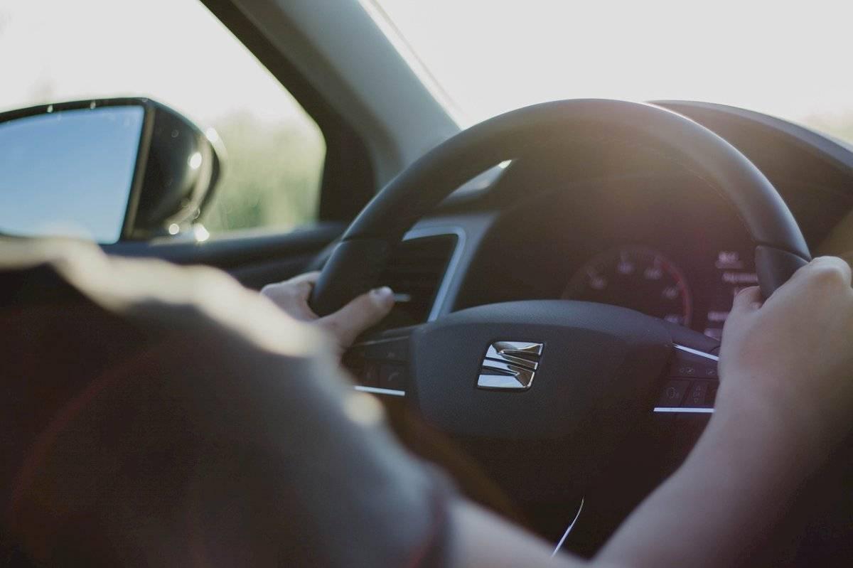 steeringwheel220-5287c693d76f4c6937e82d7dac71127e.jpg