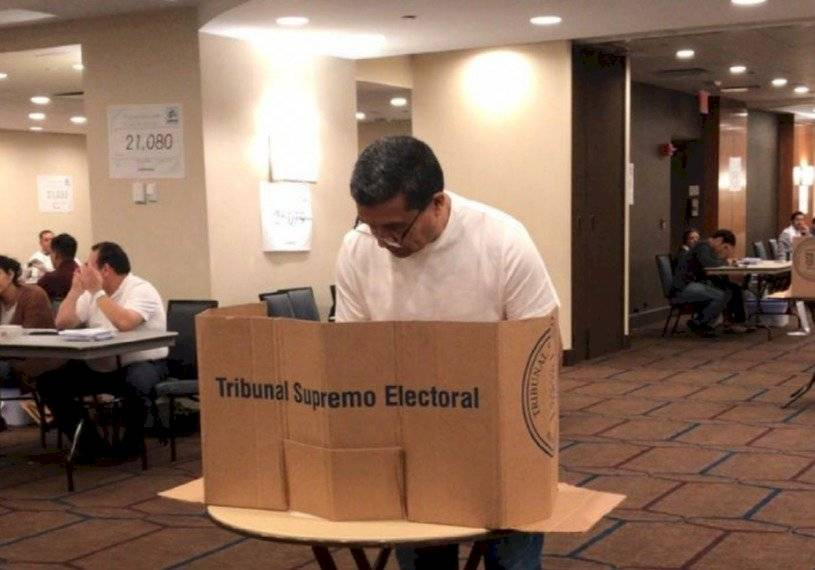 Segunda vuelta electoral de 2019 en el extranjero. Foto: TSE