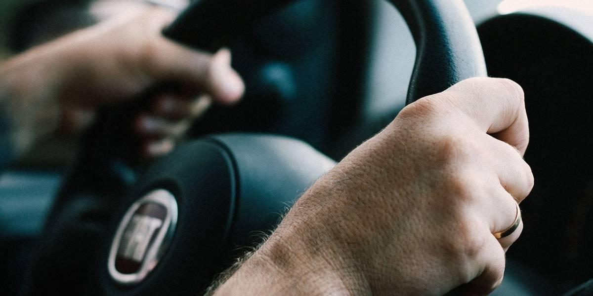 Cómo evitar que te suden las manos al momento de manejar