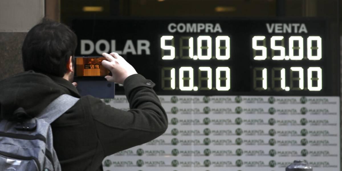 Argentina: el peso se devalúa tras derrota de Mauricio Macri