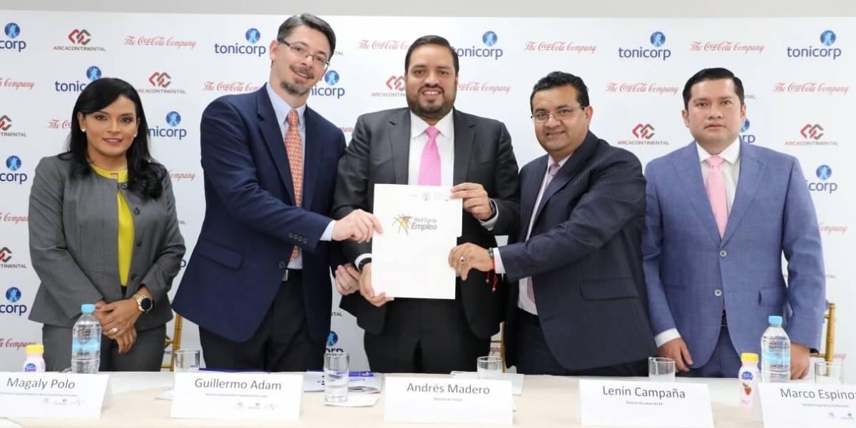 Arca Continental firman convenio para fomentar más empleo