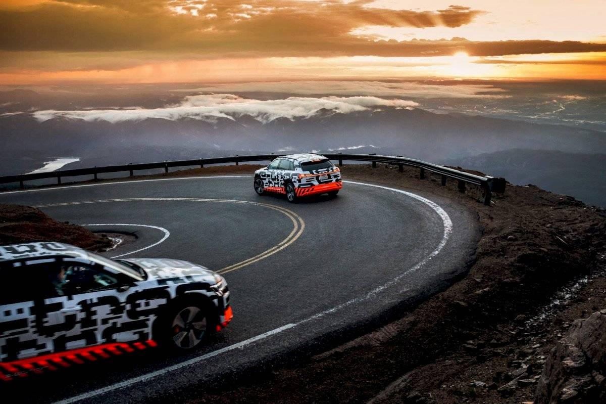 Audi-E-Tron-2018-10