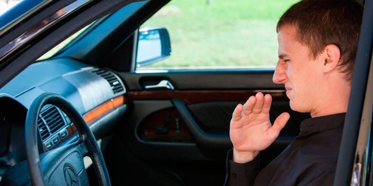 Razones por las que tu auto huele a gasolina