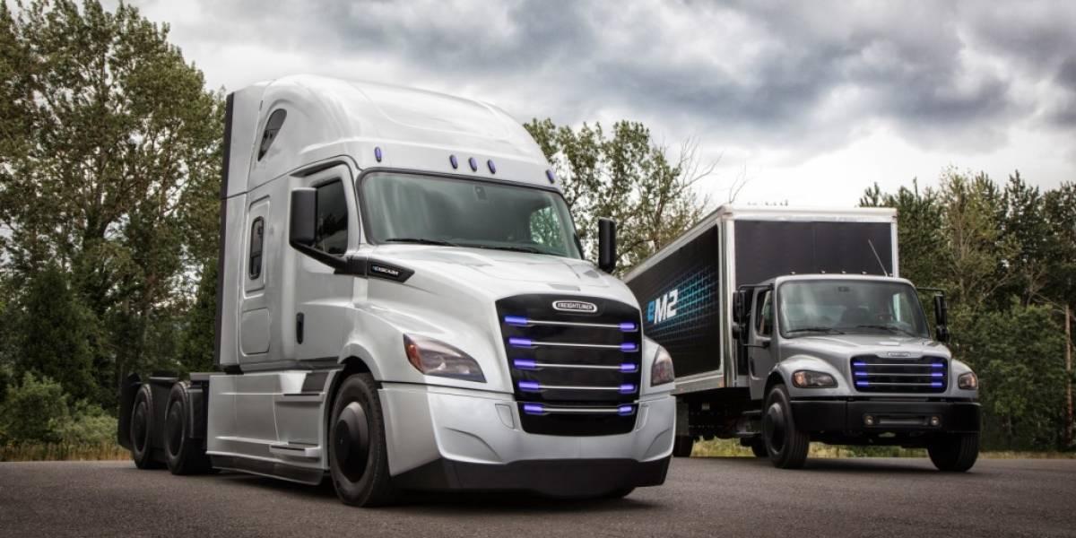Cinco situaciones por parte de tráileres y camiones que debes prever al manejar