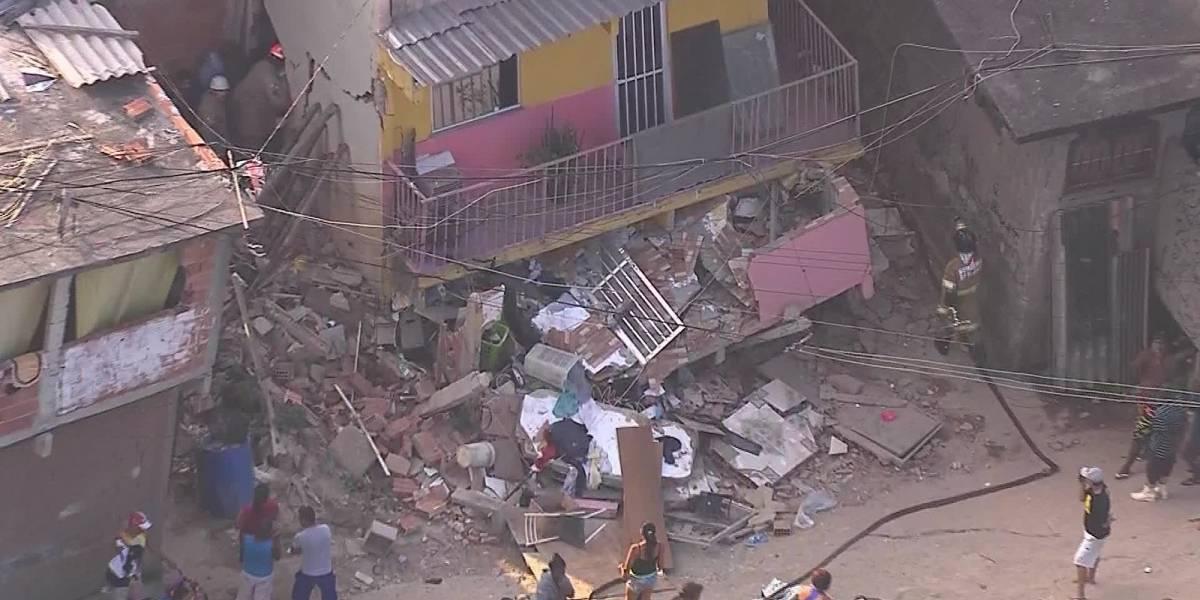Casa desaba e deixa duas vítimas em Curicica, zona oeste do Rio