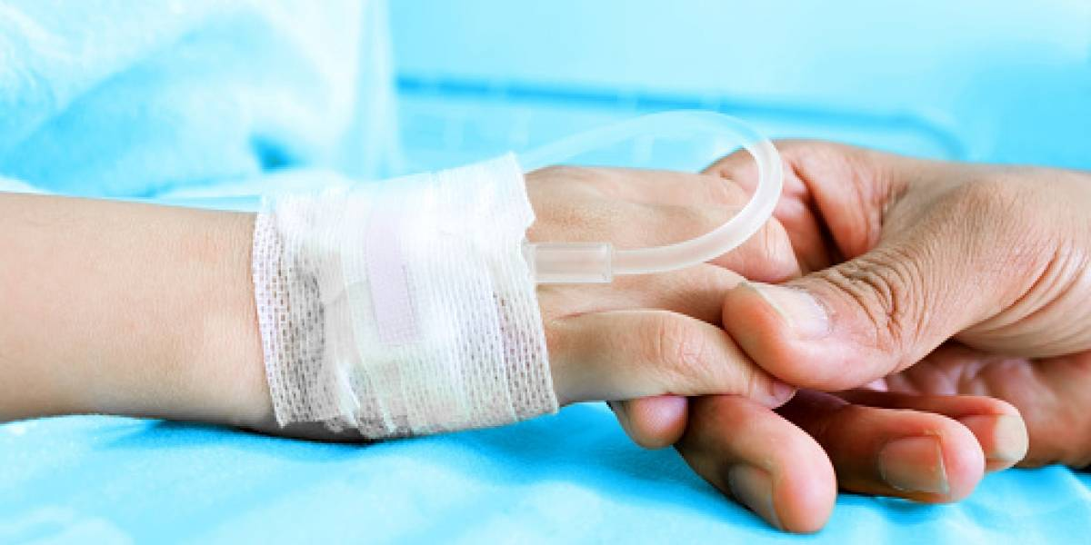 """Dan de alta a niña de 3 años tras sufrir un """"virus estomacal"""" y al día siguiente murió en los brazos de su madre tras padecer grave enfermedad"""