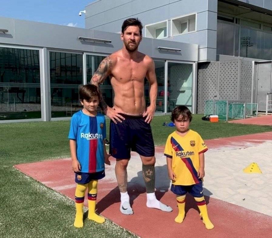 Messi seduce con sus músculos