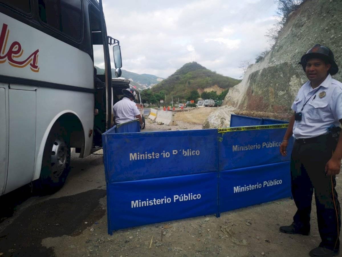 migrante hondureño muere en asalto a bus en Km. 73 ruta al Atlántico