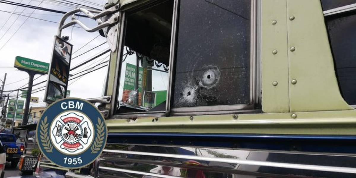 Disparan contra piloto de bus extraurbano en calzada Roosevelt