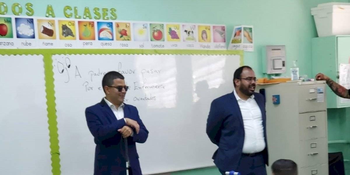 Néstor Alonso Vega inicia recorrido en escuelas de San Juan