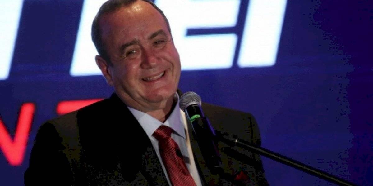 Presidente de Guatemala confirma que dio positivo a coronavirus