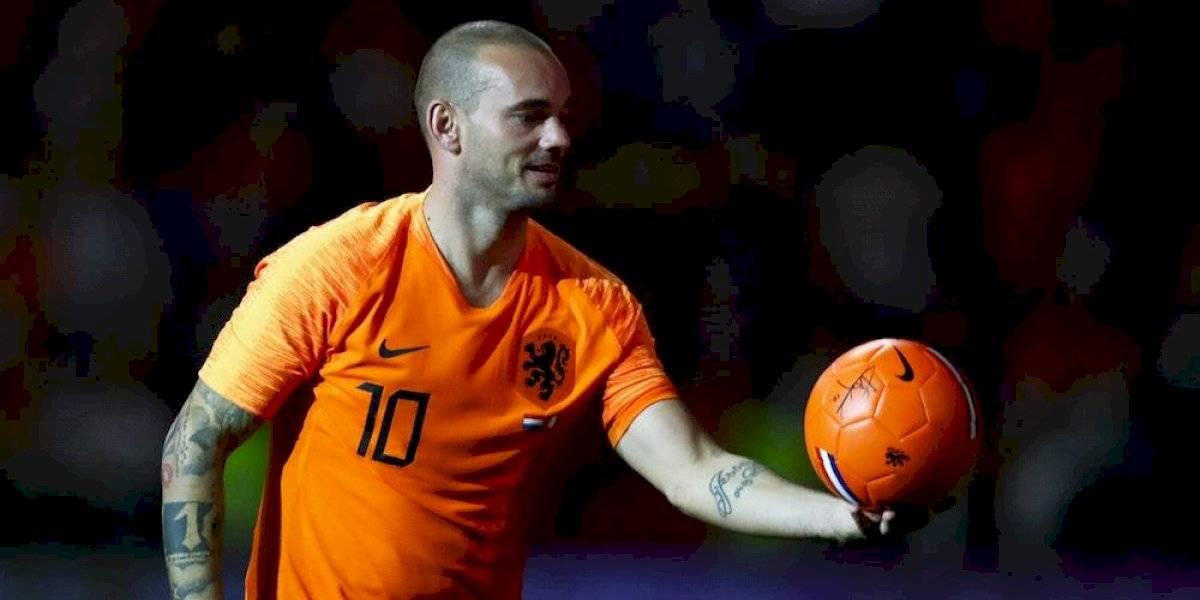 Holandés Wesley Sneijder anuncia su retiro del futbol
