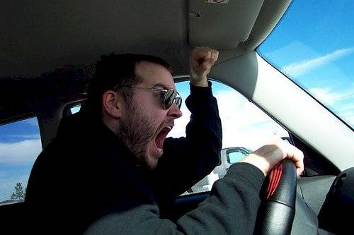 enojo ira conducir
