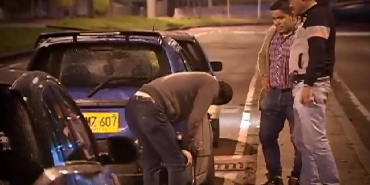 Por huecos en el norte de Bogotá, diez vehículos quedaron varados