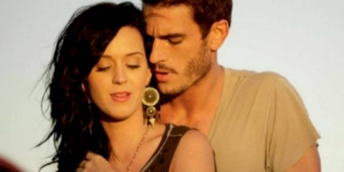 """Modelo acusa a Katy Perry de agresión sexual: """"me trató como un prostituto"""""""