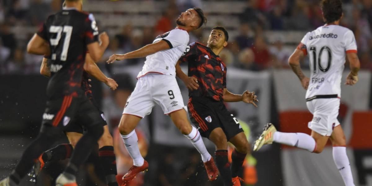 Antofagasta se refuerza con delantero de Newell's para pelear el descenso ante la U