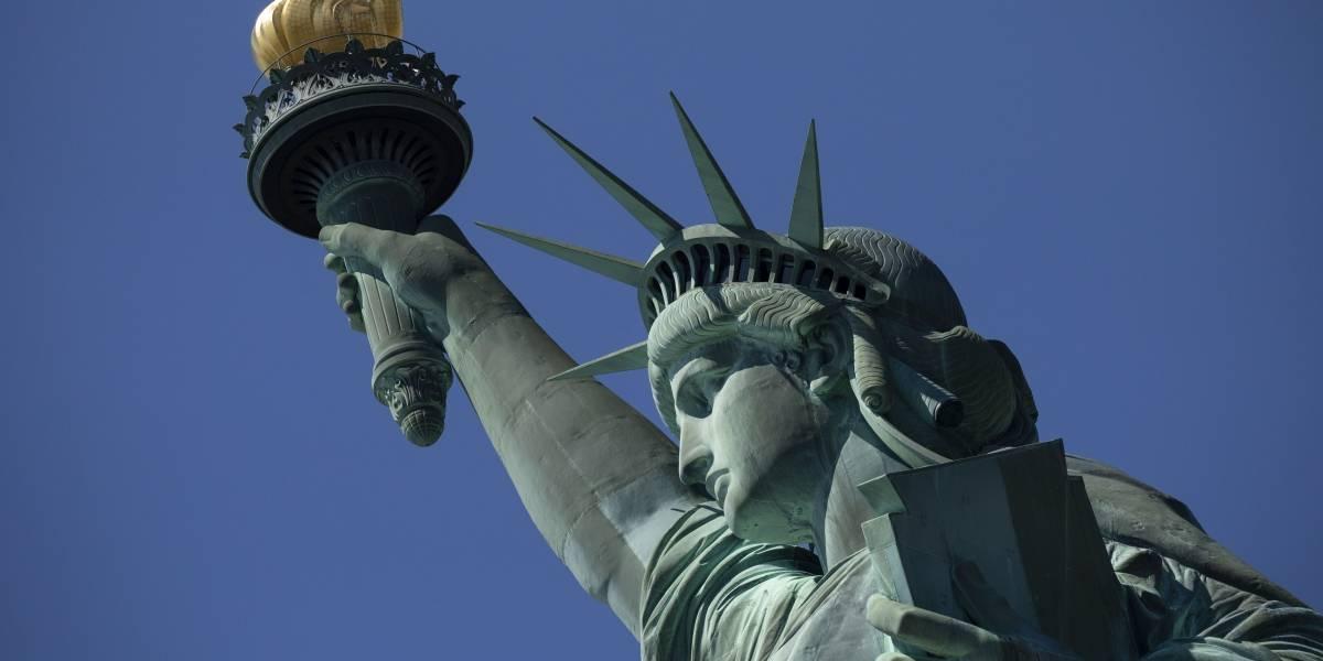 Soneto en la Estatua de la Libertad enfrenta a Gobierno de Trump