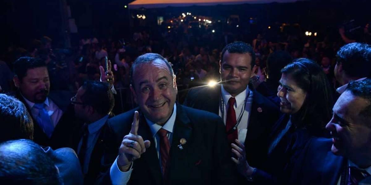 Morales y Giammattei harán reunión por cambio de mando