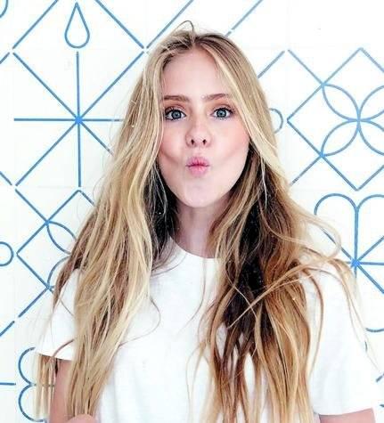 Loreto Peralta La actriz de 15 años de edad se dio a conocer por la cinta No se aceptan devoluciones al lado de Eugenio Derbez.