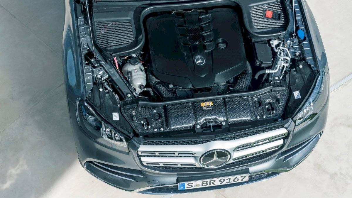 Mercedes-Benz-GLS-2020-18