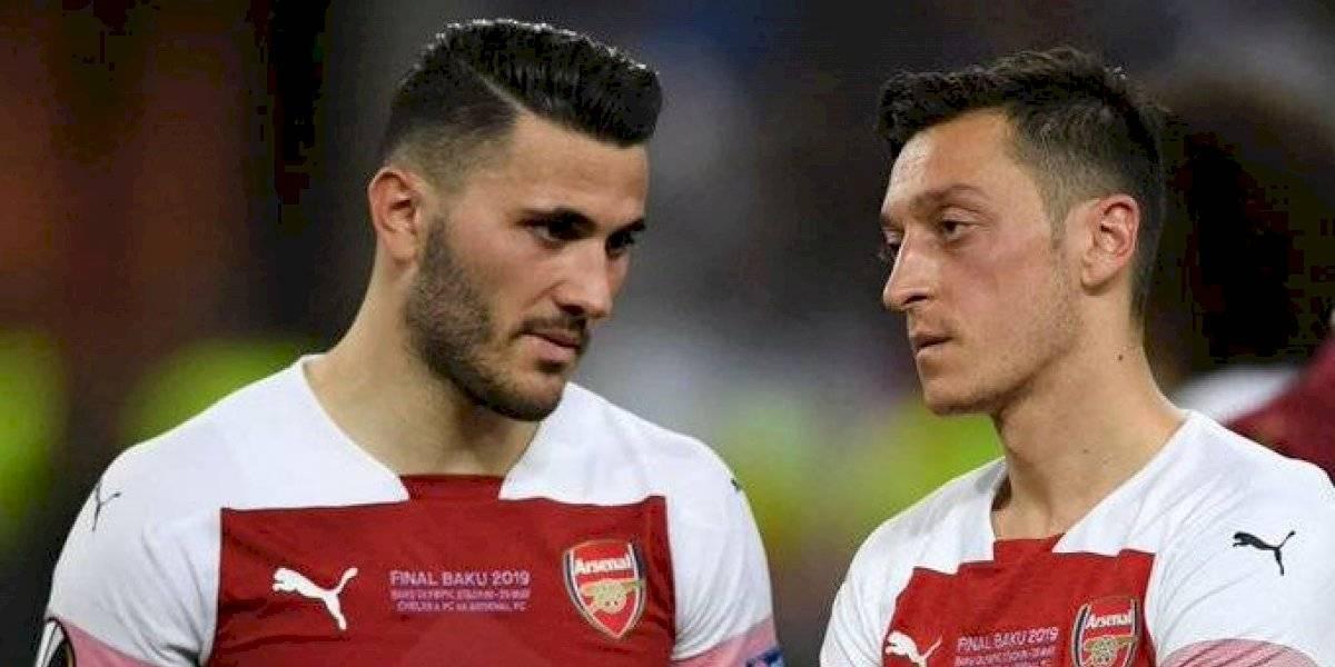 Özil y Kolasinac podrían perderse varios partidos con el Arsenal por seguridad