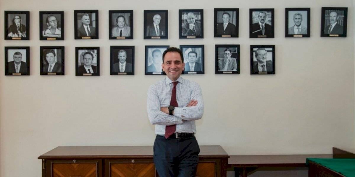 Tras negarlo, Arturo Herrera asegura que sí se reunió con Meade y González Anaya