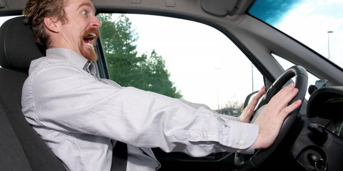 Manejar en exceso afecta tu calidad de vida y salud