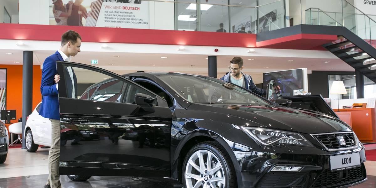 9 de cada 10 son influenciados por opiniones ajenas al comprar un auto