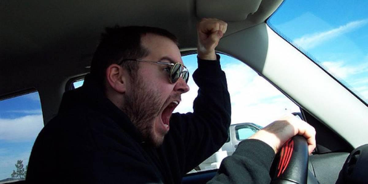 El sonido del claxon contamina más que la voz humana, según estudio