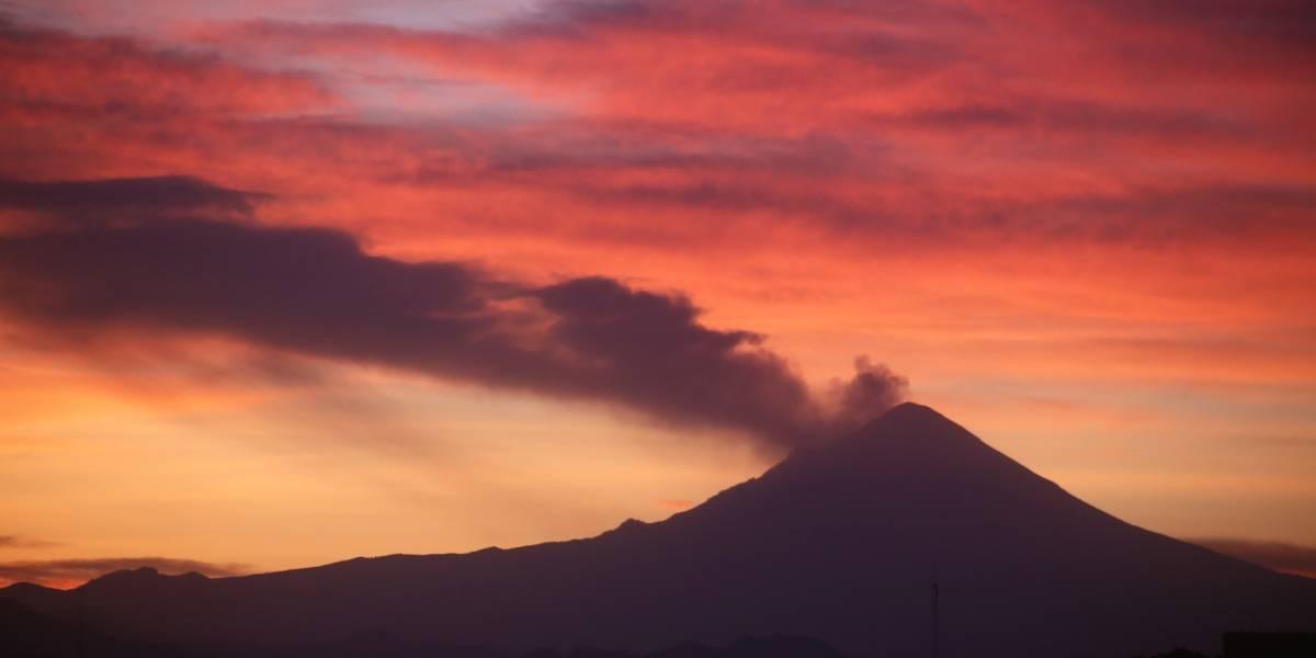 Popocatépetl registra dos explosiones esta madrugada