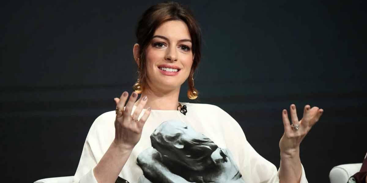 Anne Hathaway diz que é pressionada a perder peso desde os 16 anos