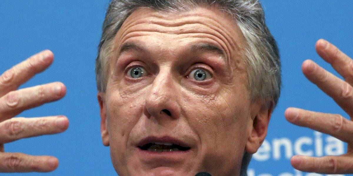Macri da manotazos de ahogado: anunció que subirá los sueldos y congelará precios