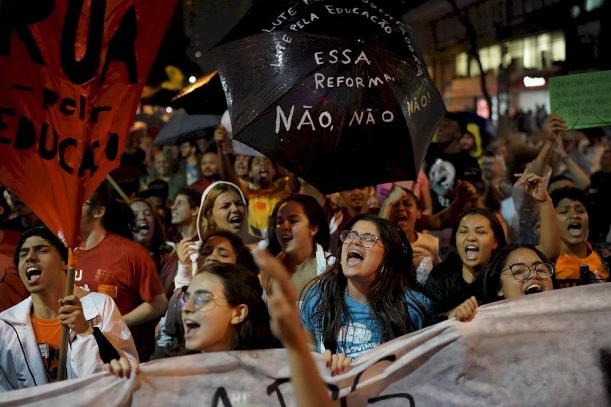 Manifestación feminista en Brasil Foto: AP