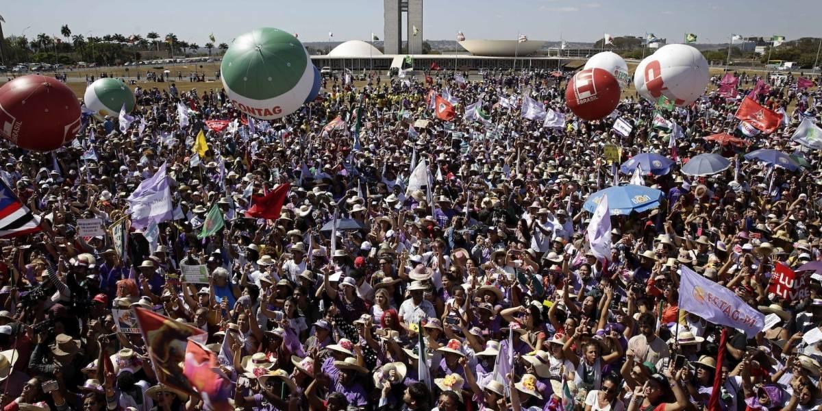 Las mujeres resucitan a la oposición a Bolsonaro con una masiva protesta