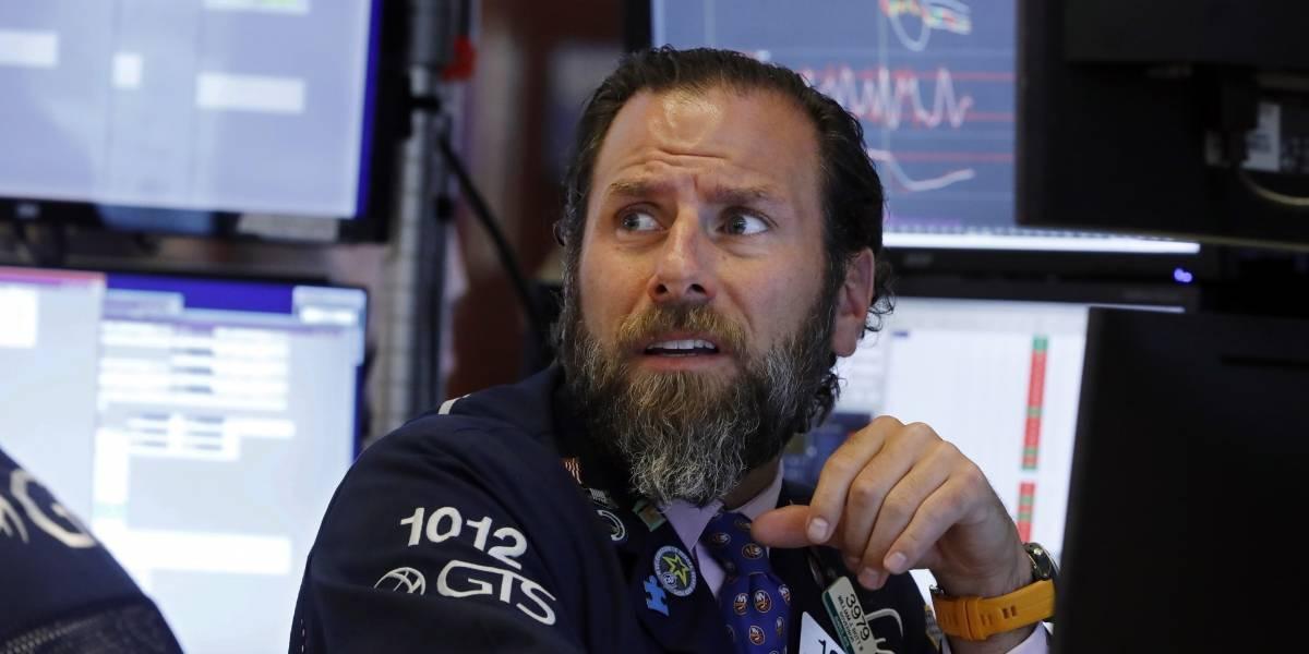 Dow Jones se desploma ante indicios de recesión