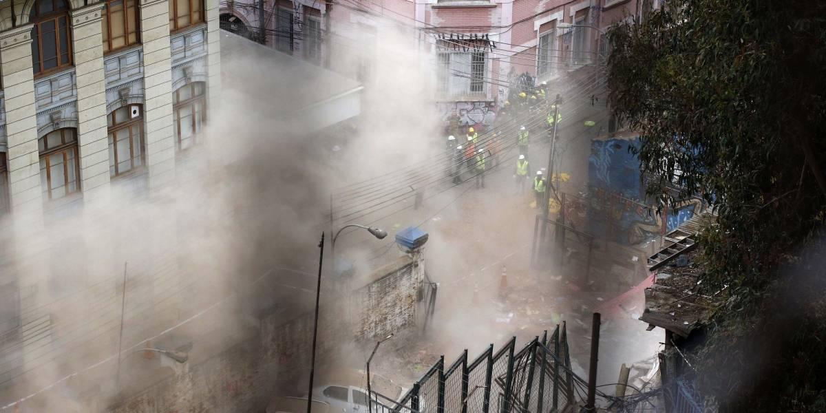 Zona cero en el puerto: nuevo derrumbe se registró en el área afectada de Valparaíso
