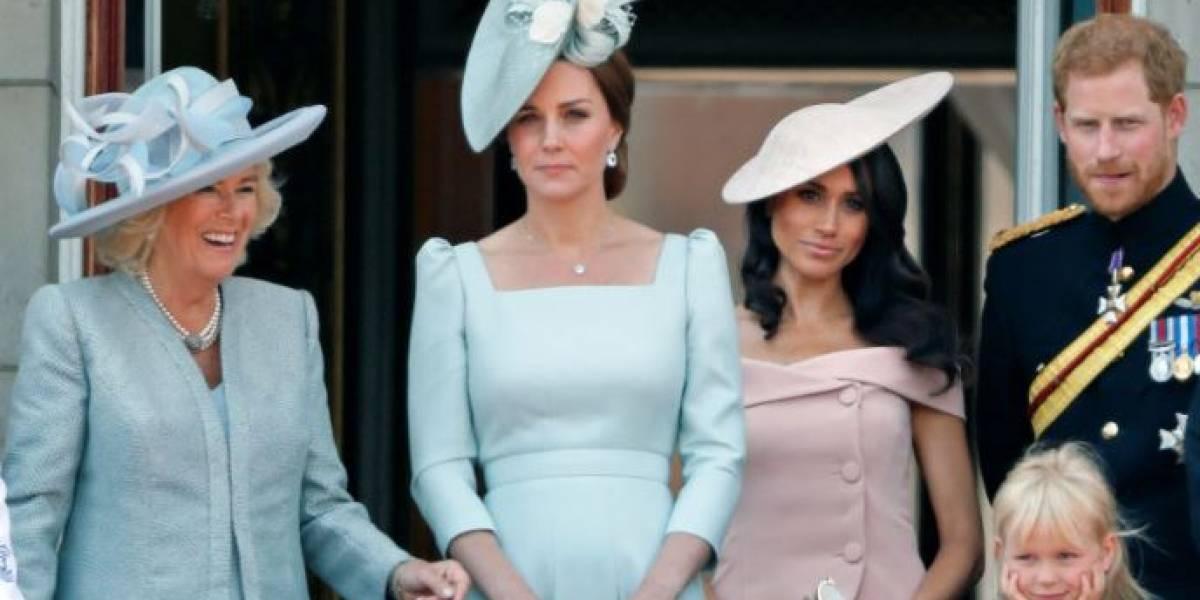 """Camilla Parker es la """"culpable"""" de que Meghan Markle y Kate Middleton no sean princesas"""