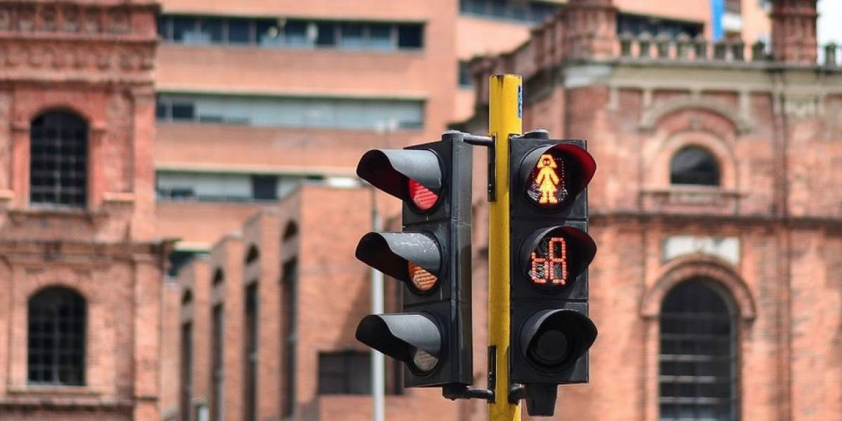 Bogotá inaugura semáforos con conteo regresivo para peatones