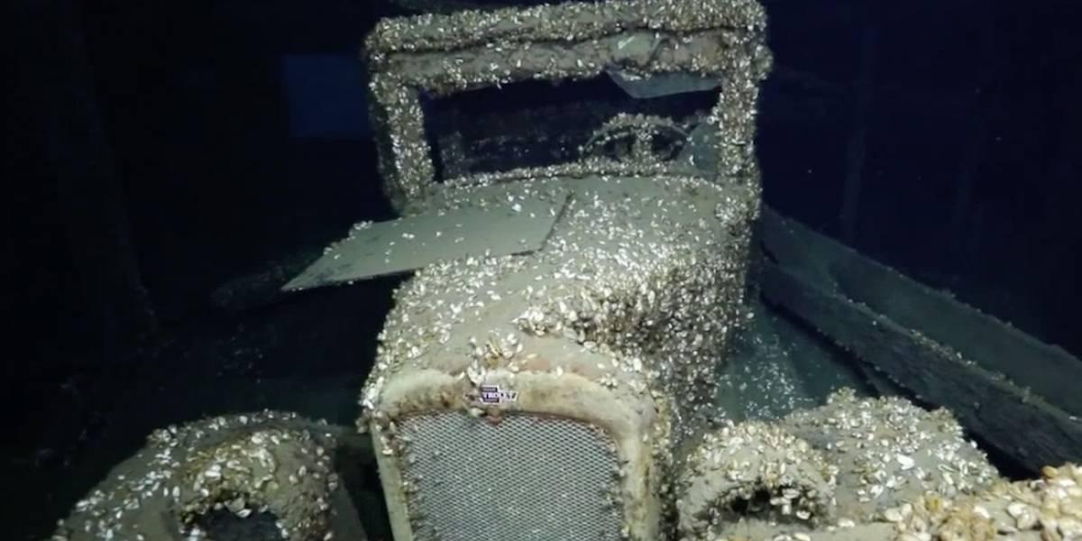 Encuentran un auto hundido desde hace 90 años en el fondo del mar