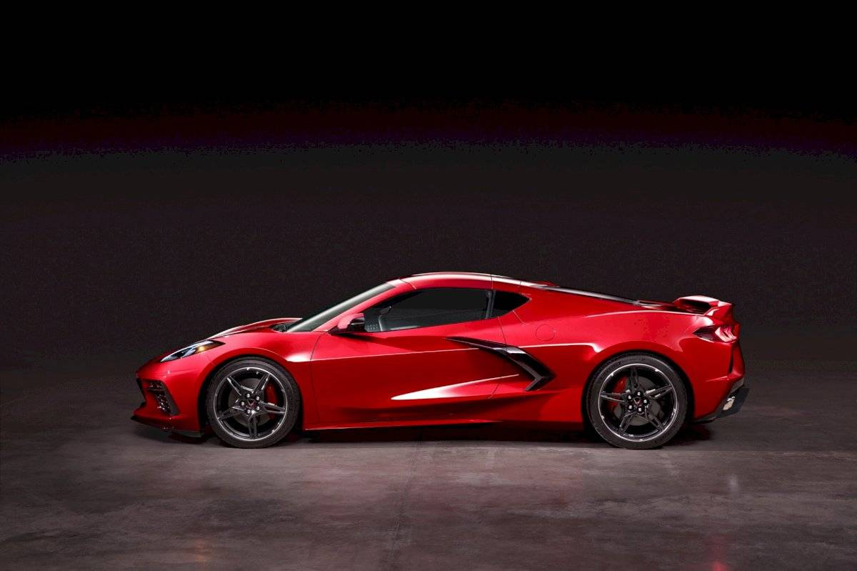 Chevrolet Corvette Stingray 2020-C8-10