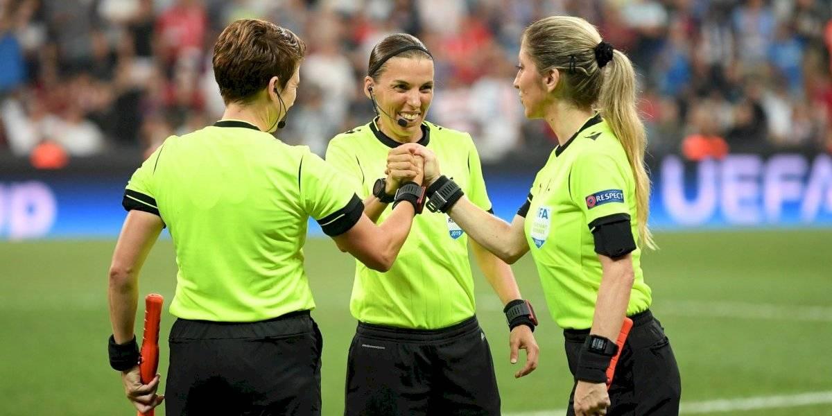 Así fue la histórica aparición de Stéphanie Frappart en la Supercopa de Europa