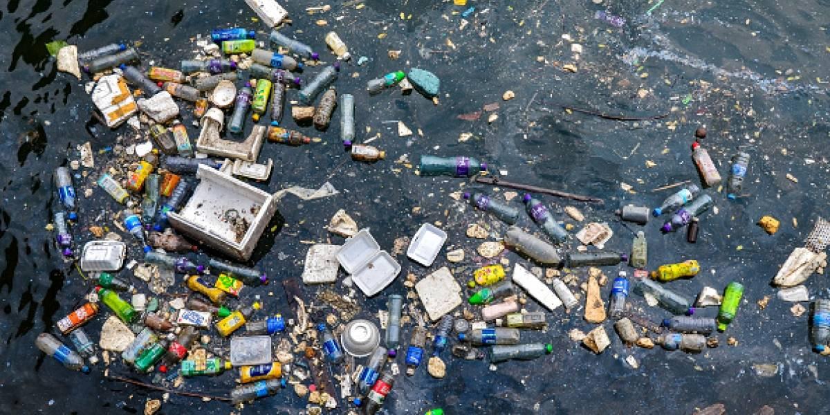 Se levantan las alarmas por lluvia contaminada: investigadores detectan microplásticos en agua dulce a 3 mil metros de altura