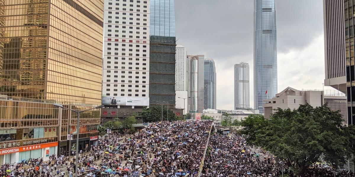 Cancelan todos los vuelos en aeropuerto de Hong Kong