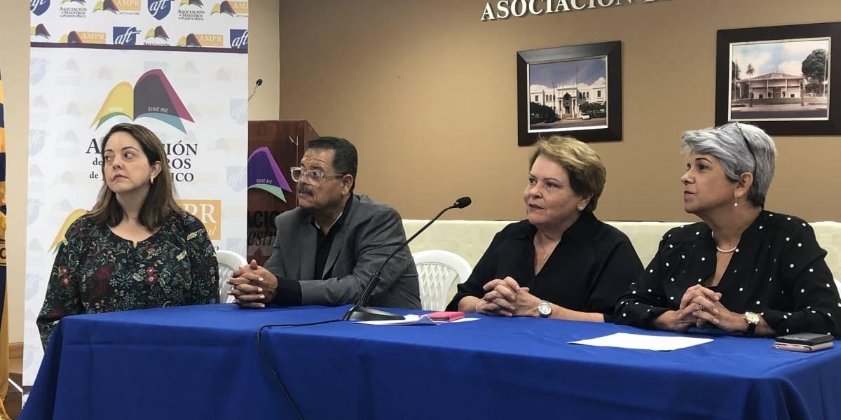 Asociación de Maestros demanda al DE por deuda de carrera magisterial