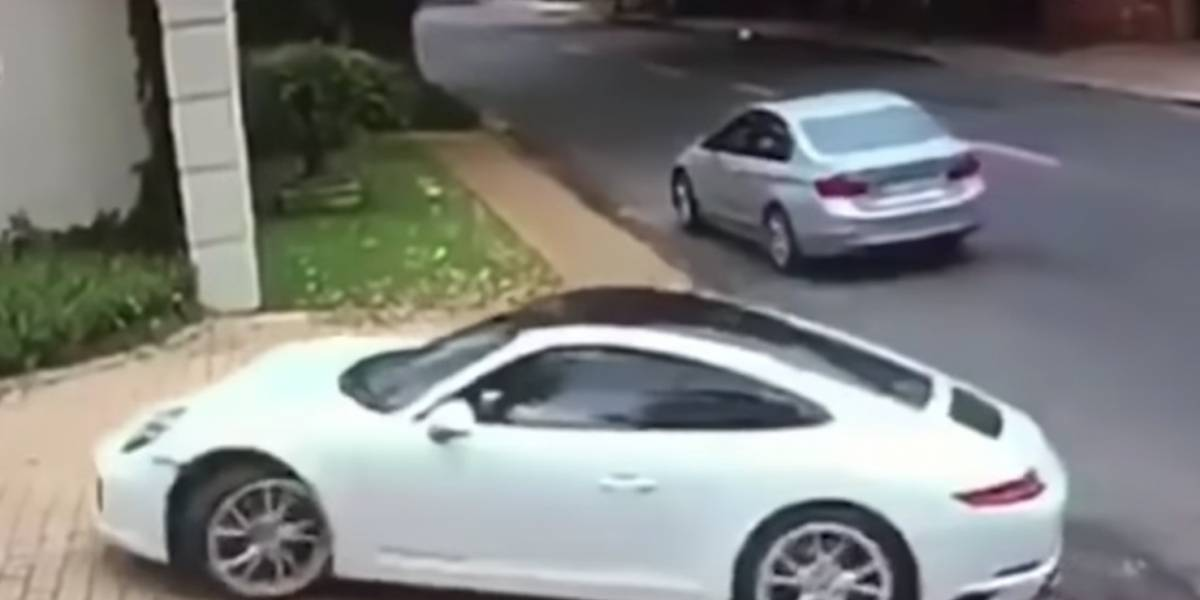 Intentan asaltar a un hombre que estacionaba su Porsche sin pensar que era un excelente conductor